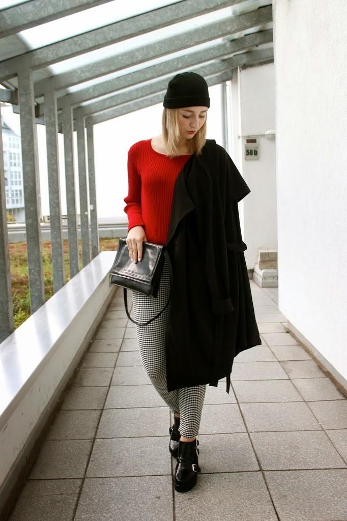 gothic-alternativer-look-schwarz-weiß-rot-emo