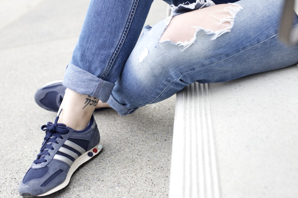 boyfriend-jeans-kombinieren-how-to-fashionblog-cologne
