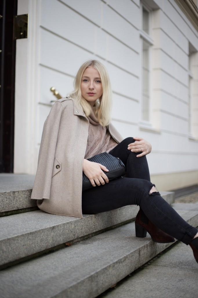 gedeckte_Farben_beige_outfit_fashionblog_cologne_köln