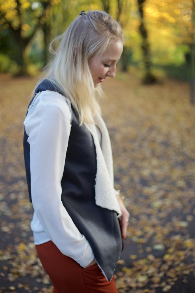 Autumn_Outfit_Fashion_Vest_Weste_Fashionvernissage_2420