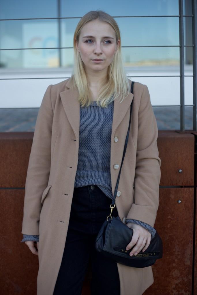 camel_coat_fashionvernissage_mode_blog_cologne_vintage_trend_2473