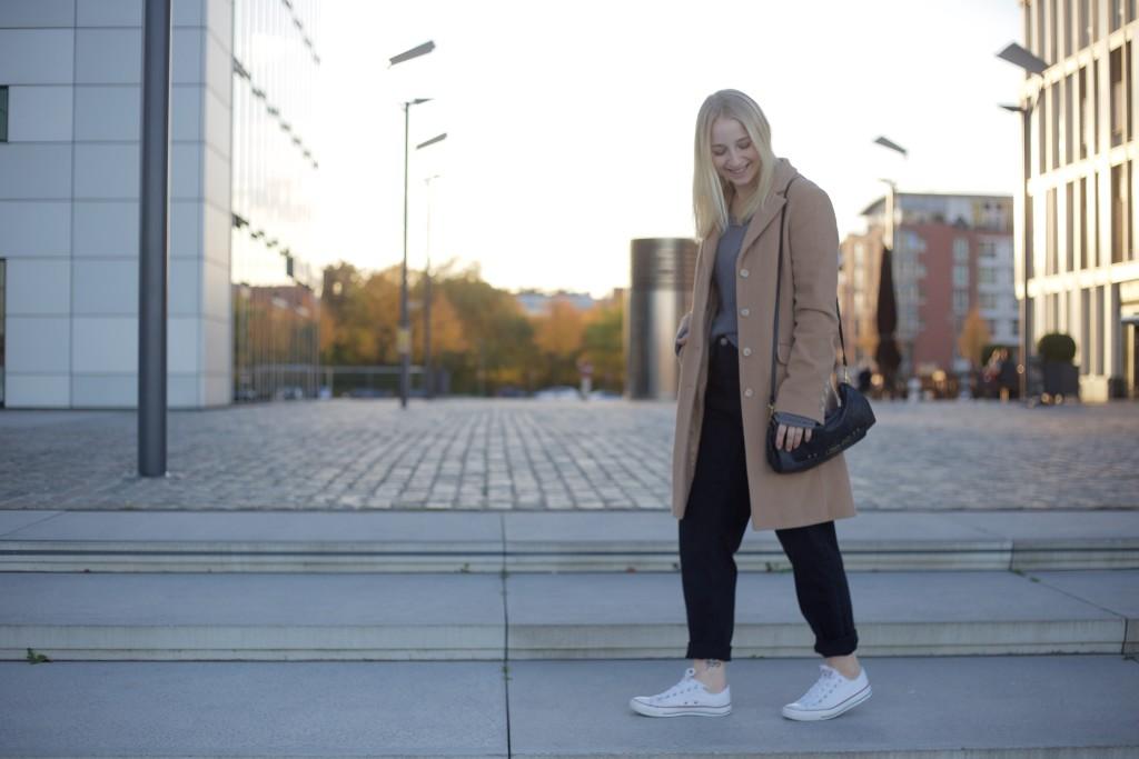 camel_coat_fashionvernissage_mode_blog_cologne_vintage_trend_2498