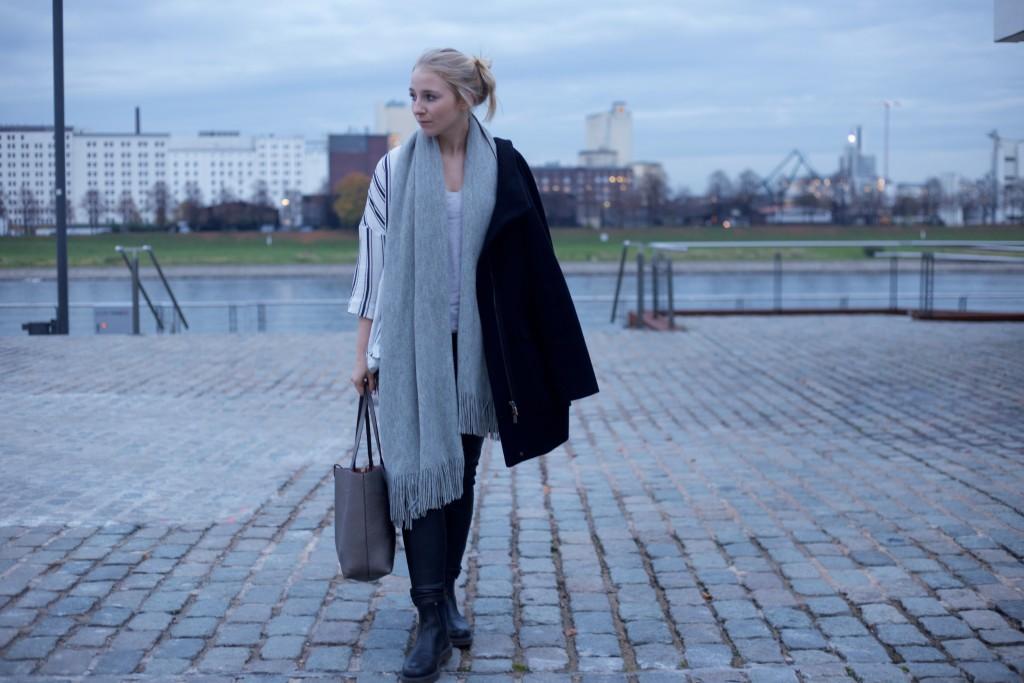 Leather_Pants_Fashionvernissage_Thoughts_Essena_O'Neill_Chaos_2630