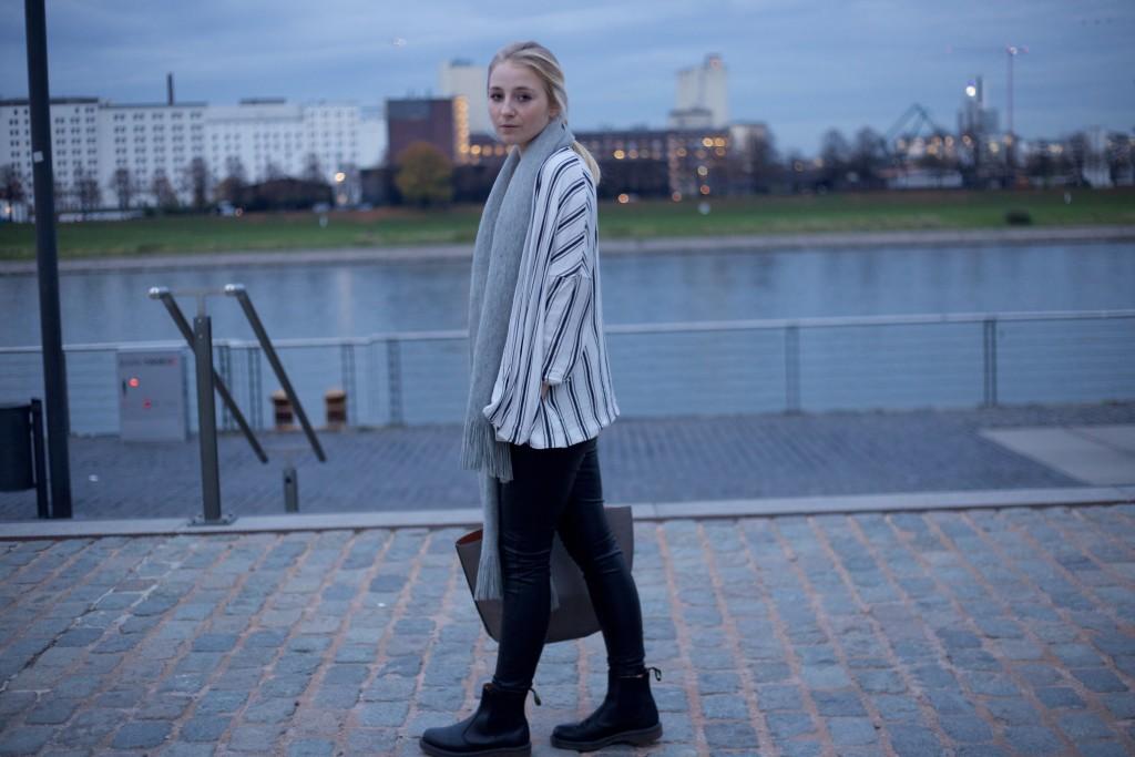 Leather_Pants_Fashionvernissage_Thoughts_Essena_O'Neill_Chaos_2664