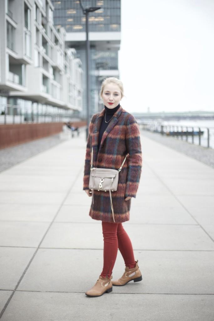 Wollmantel_bunt_fashionvernissage_outfit_fashion_cologne_köln_3235
