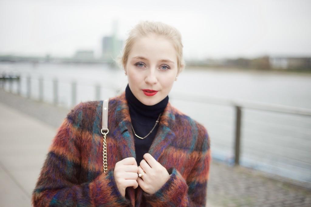 Wollmantel_bunt_fashionvernissage_outfit_fashion_cologne_köln_3345