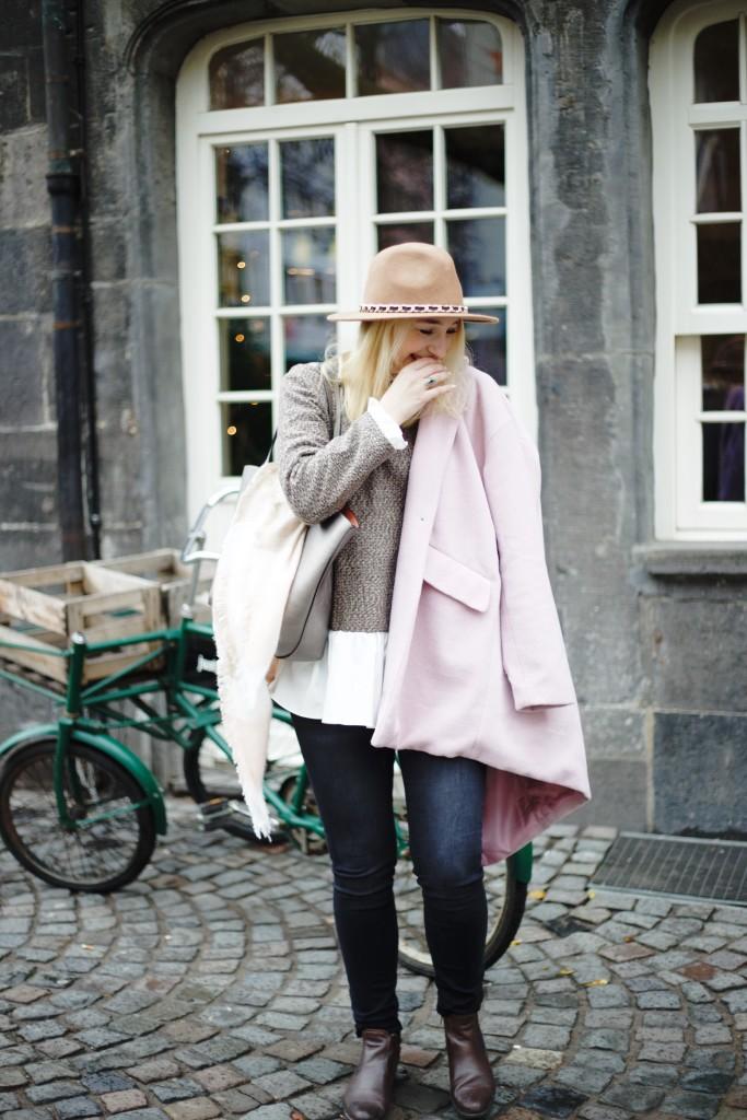 Hut_Winter_Rosa_Mantel_Fashionvernissage_Cologne_9766