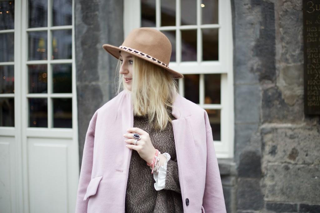 Hut_Winter_Rosa_Mantel_Fashionvernissage_Cologne_9776