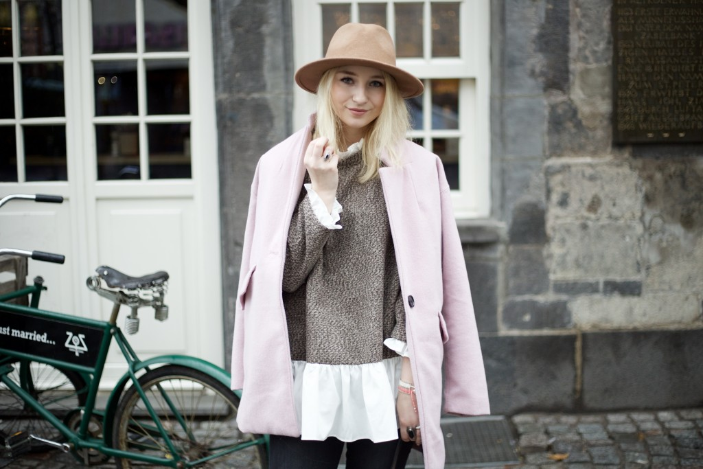 Hut_Winter_Rosa_Mantel_Fashionvernissage_Cologne_9817