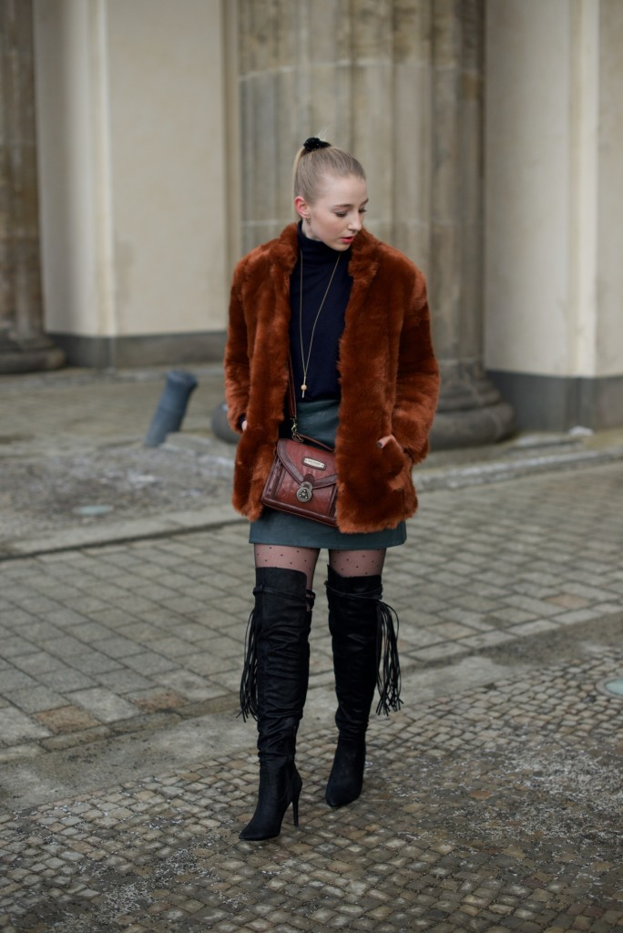 Berlin_Fashion_Week_Fashion_Blog_Cologne_Outfit_Fake_Fur_4970