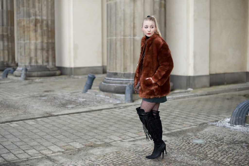 Berlin_Fashion_Week_Fashion_Blog_Cologne_Outfit_Fake_Fur_4985