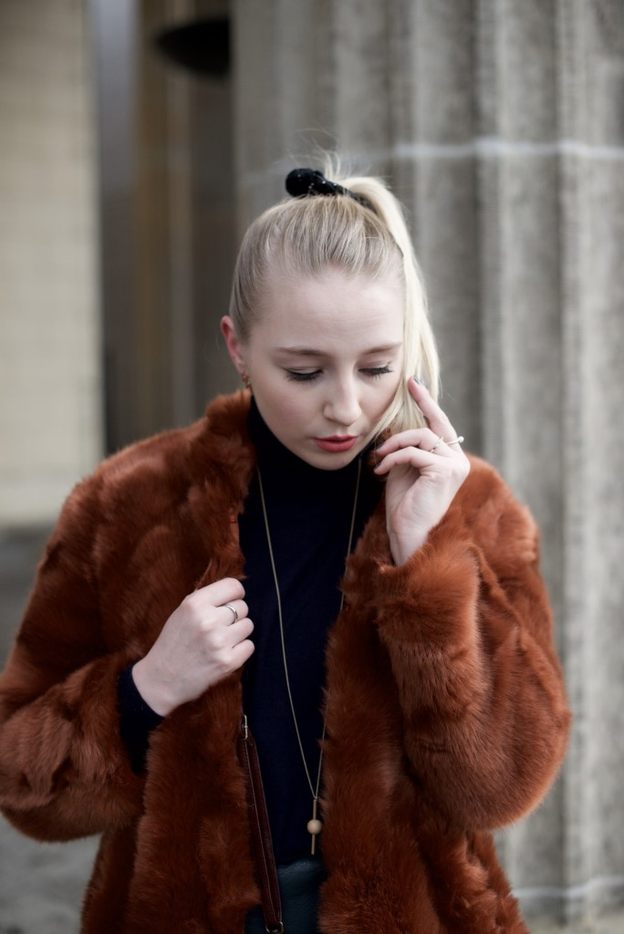 Berlin_Fashion_Week_Fashion_Blog_Cologne_Outfit_Fake_Fur_5006