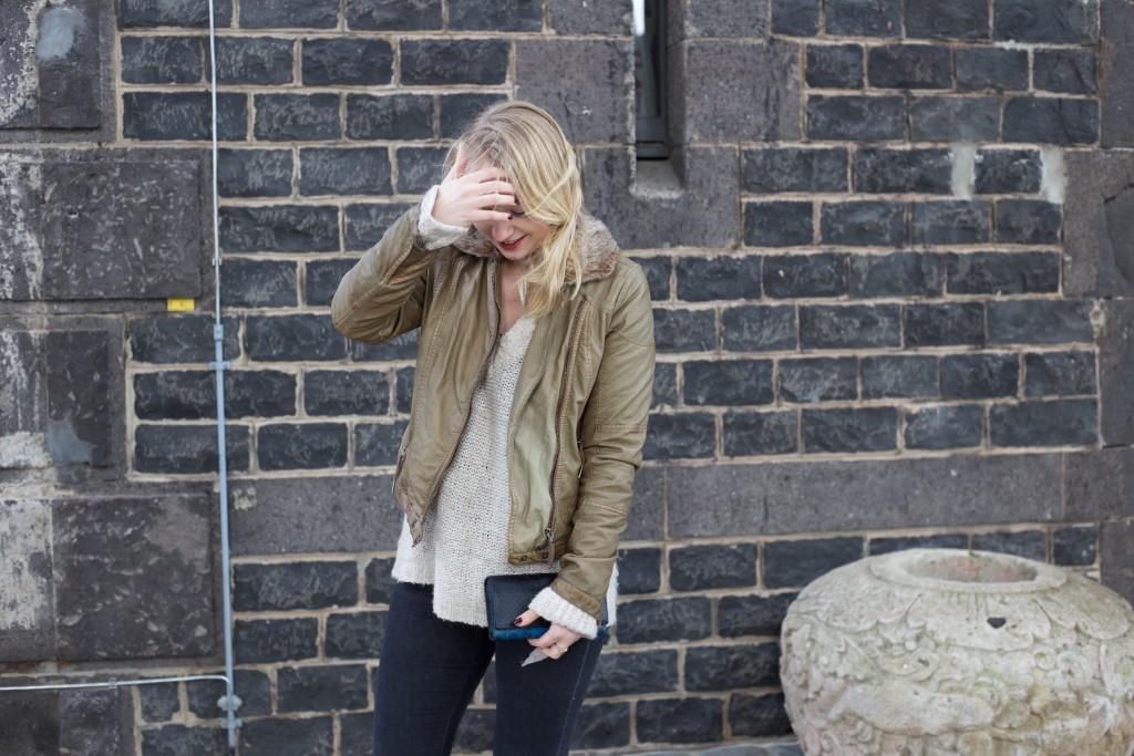 Fliegerjacke_Garcia_Jeans_outfit_Fashionblog_Cologne_0032