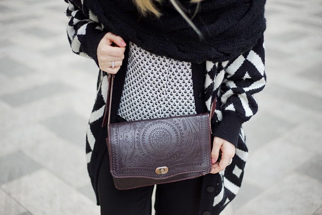 schwarz-weißes-outfit-handtasche-mailand