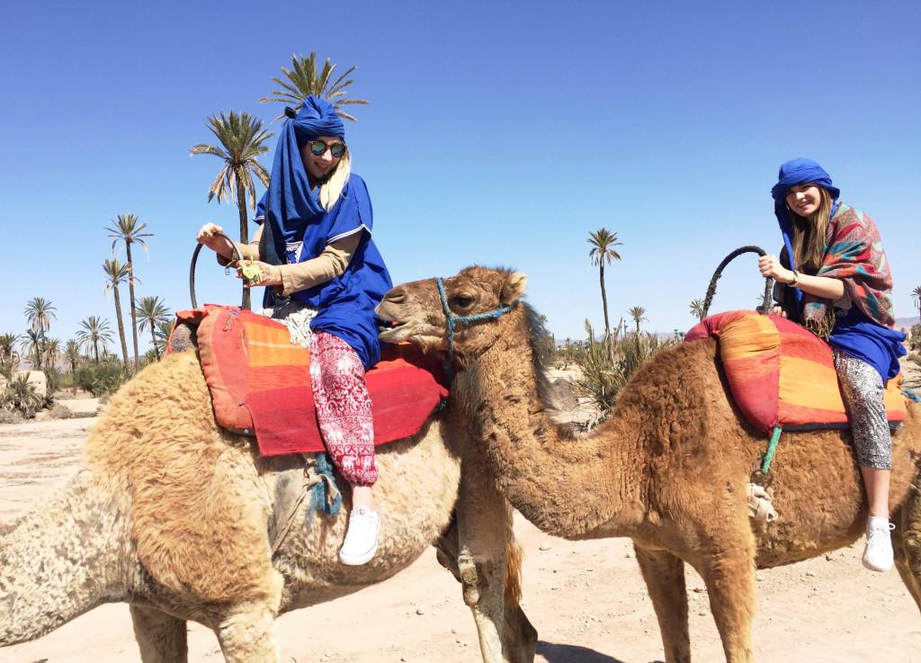 marrakesch-traveldiary-tipps-fashionblog-reiseblog-sehenswüridgkeiten-kamelreiten_9968
