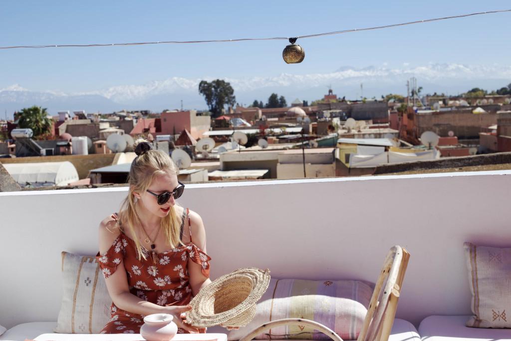 marrakesch-traveldiary-tipps-fashionblog-reiseblog-sehenswüridgkeiten-zwinzwin-dachterrasse