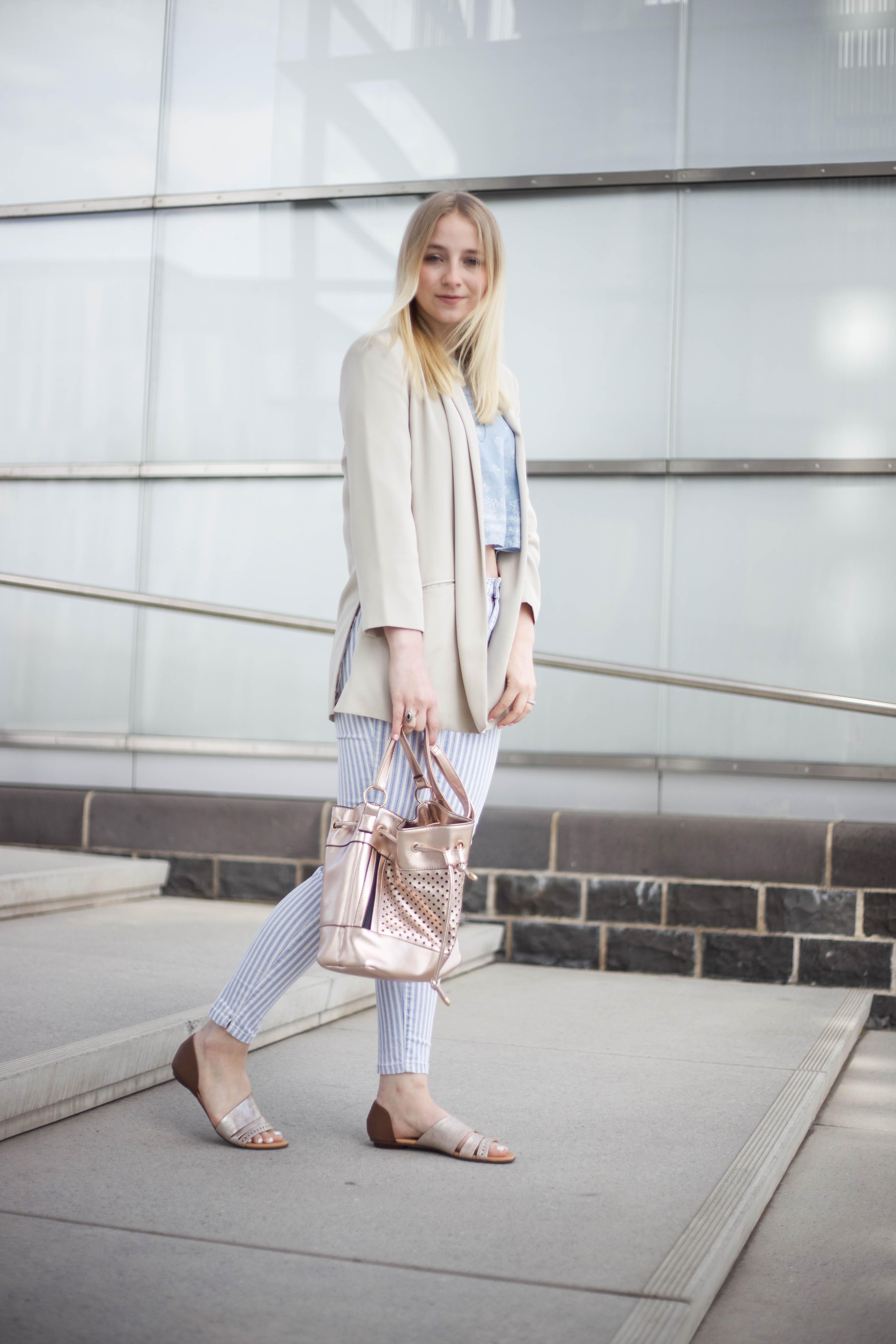 striped-jeans-helle-farben-kölnbloggt-frühlingsoutfit-modeblog_5820