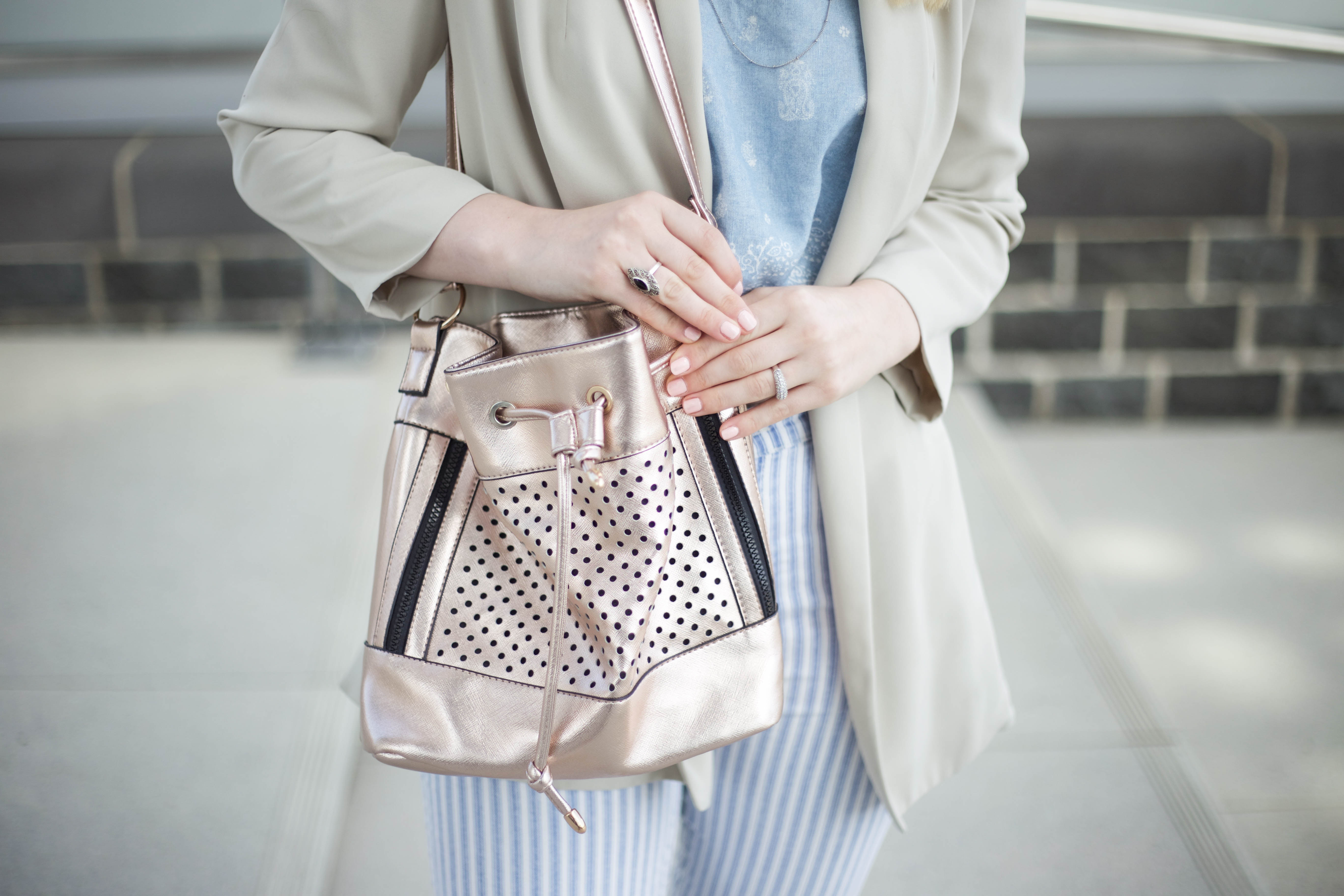 striped-jeans-helle-farben-kölnbloggt-frühlingsoutfit-modeblog_5834