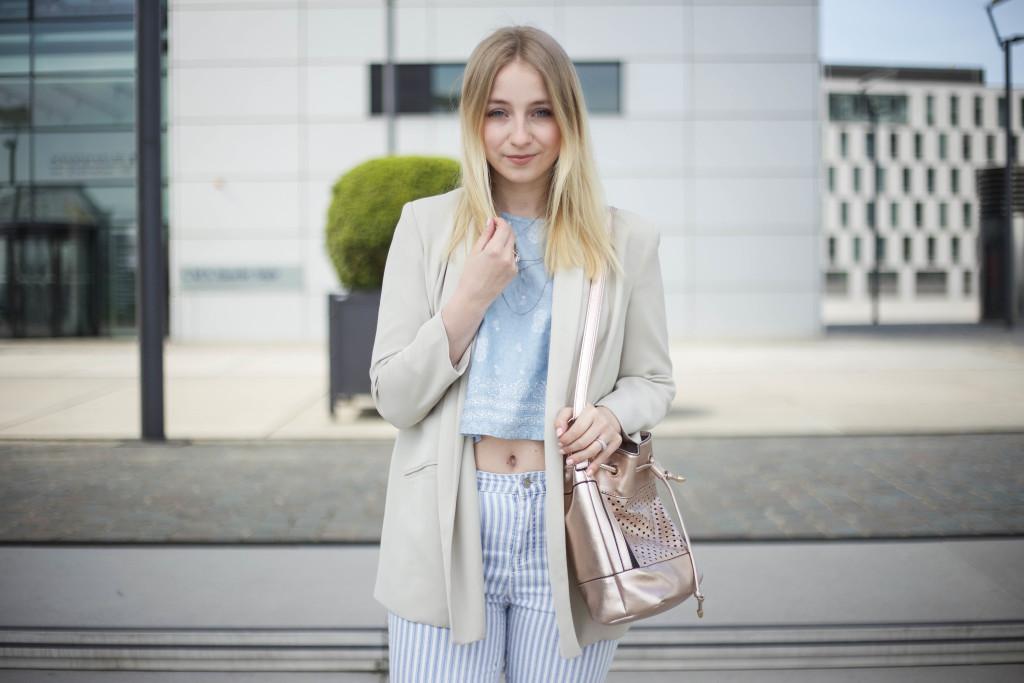 striped-jeans-helle-farben-kölnbloggt-frühlingsoutfit-modeblog_5799