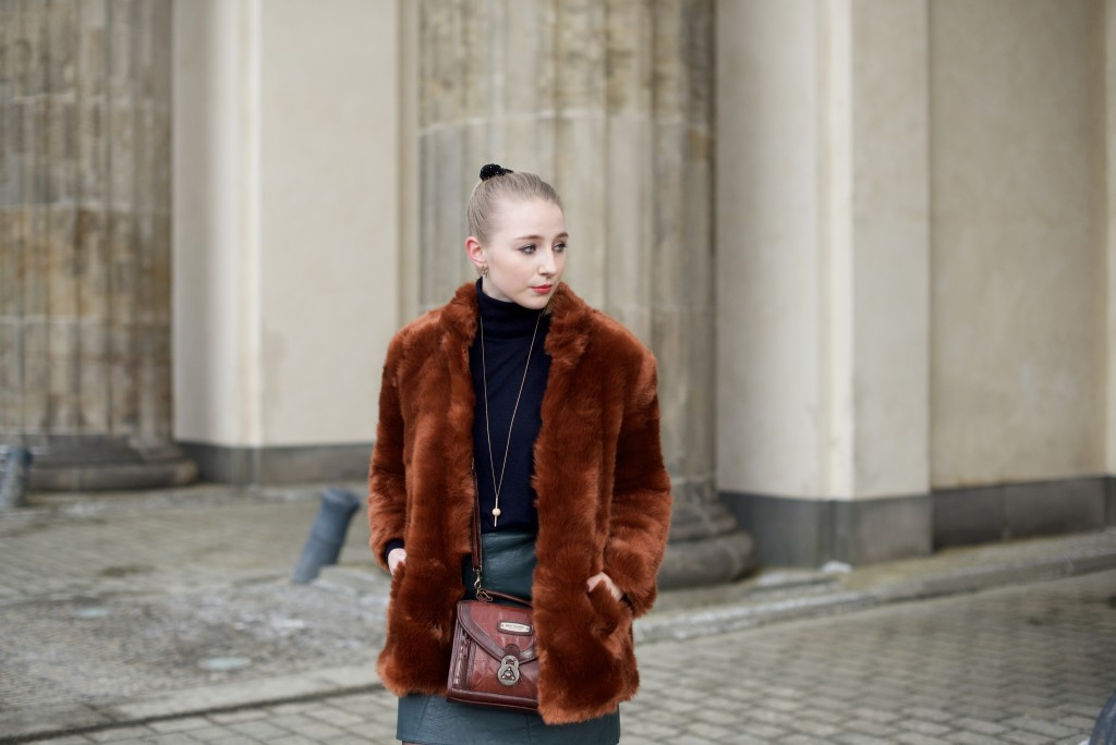 Berlin_Fashion_Week_Fashion_Blog_Cologne_Outfit_Fake_Fur_4965