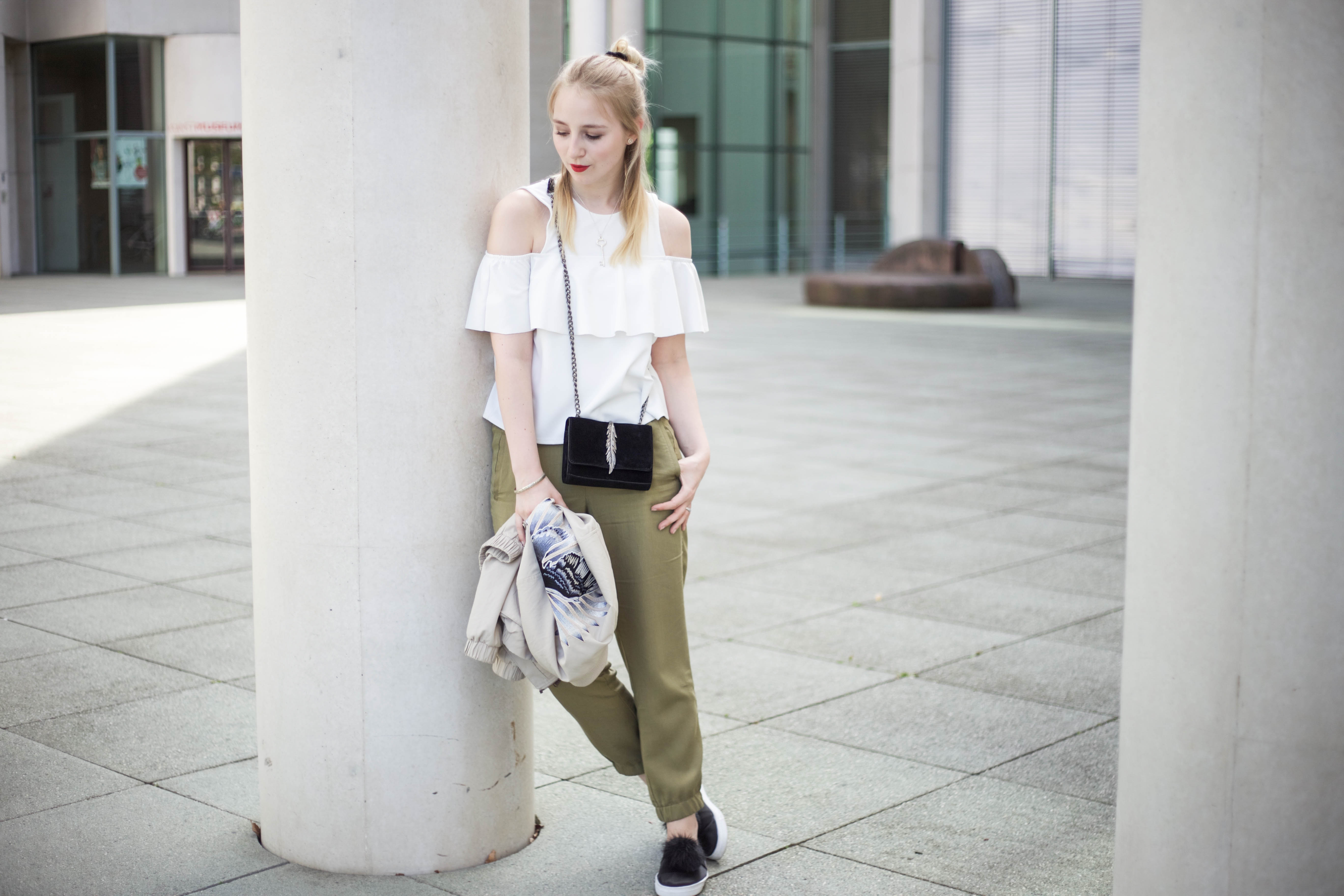 Off-Shoulder-Trend-Shirt-Bonn-Berlin-Köln-Fashionblog-Outfit_0079