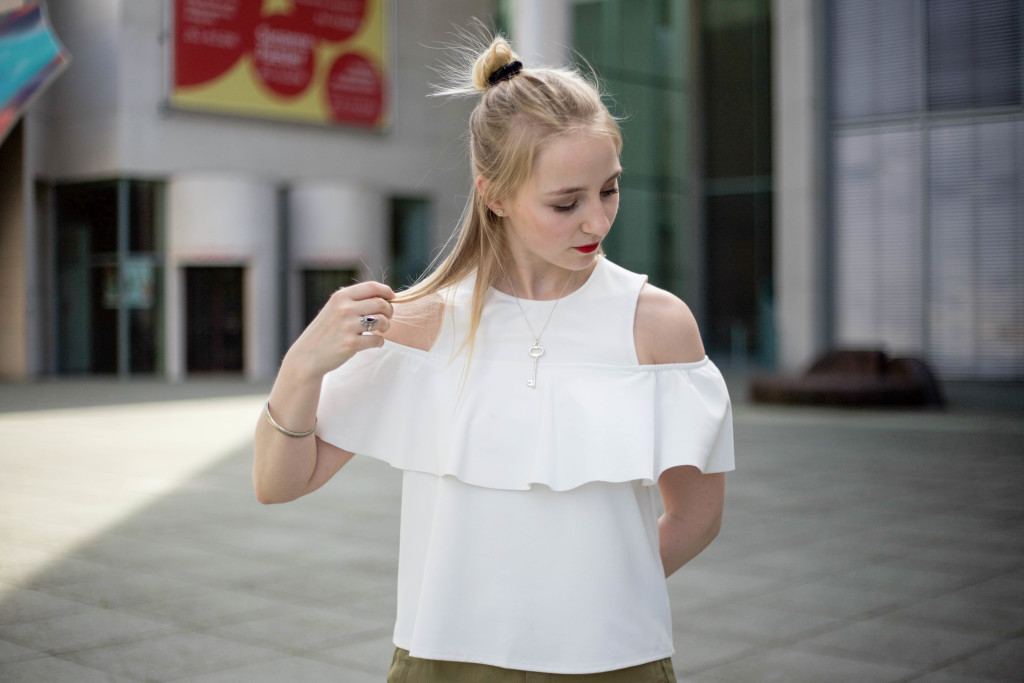 Off-Shoulder-Trend-Shirt-Bonn-Berlin-Köln-Fashionblog-Outfit_0131