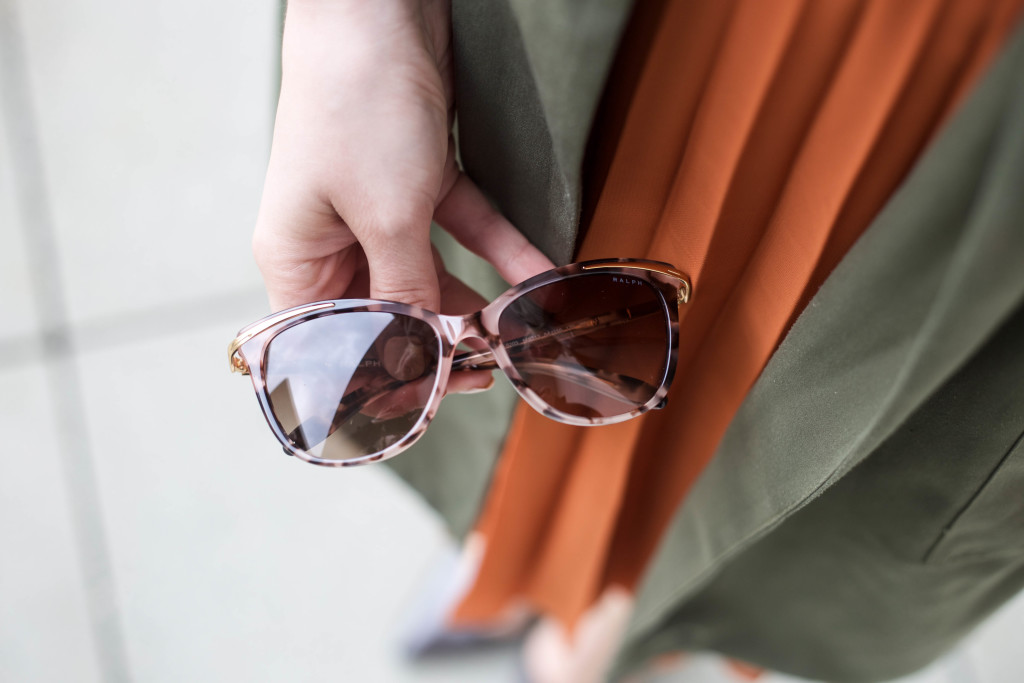 sunglassesshop_outfit_faltenrock_bonn_berlin_köln_fashionblog_0619
