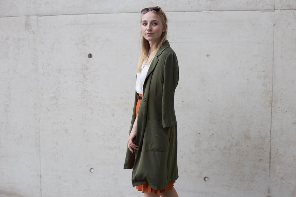 sunglassesshop_outfit_faltenrock_bonn_berlin_köln_fashionblog_0639