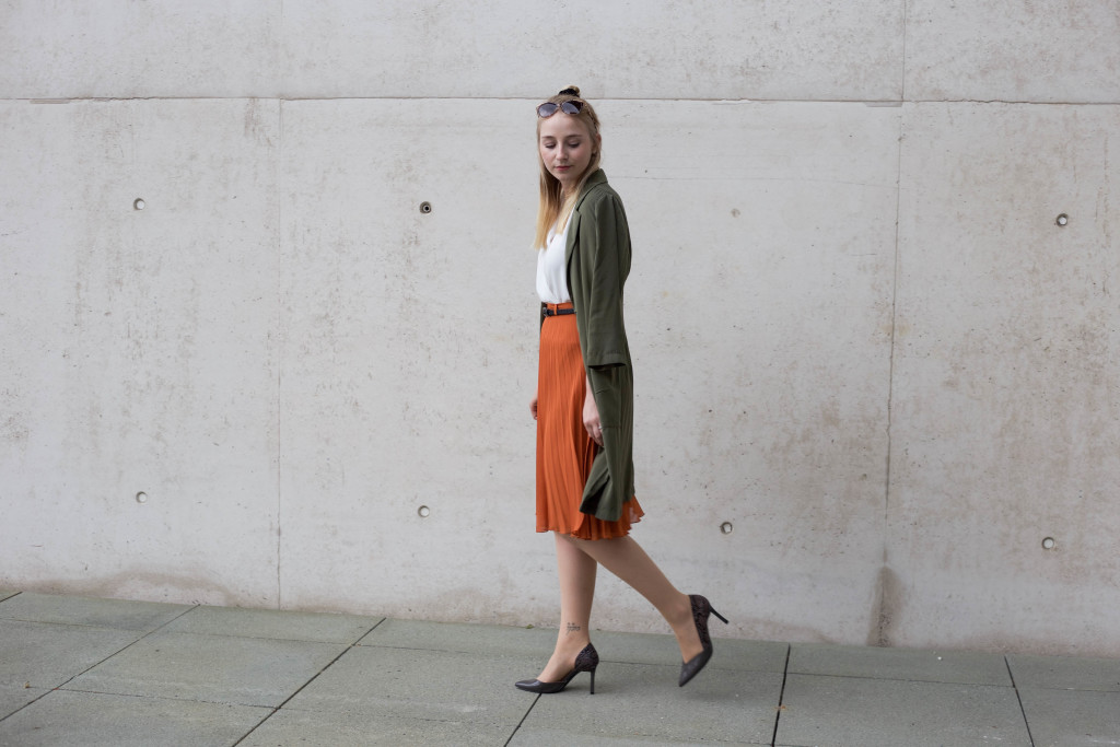 sunglassesshop_outfit_faltenrock_bonn_berlin_köln_fashionblog_0647