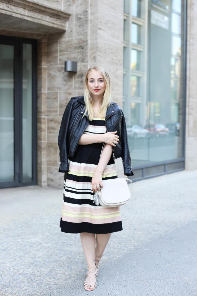 mbfw-outfit-berlin-fashion-week-gestreiftes-kleid-oasis_0599