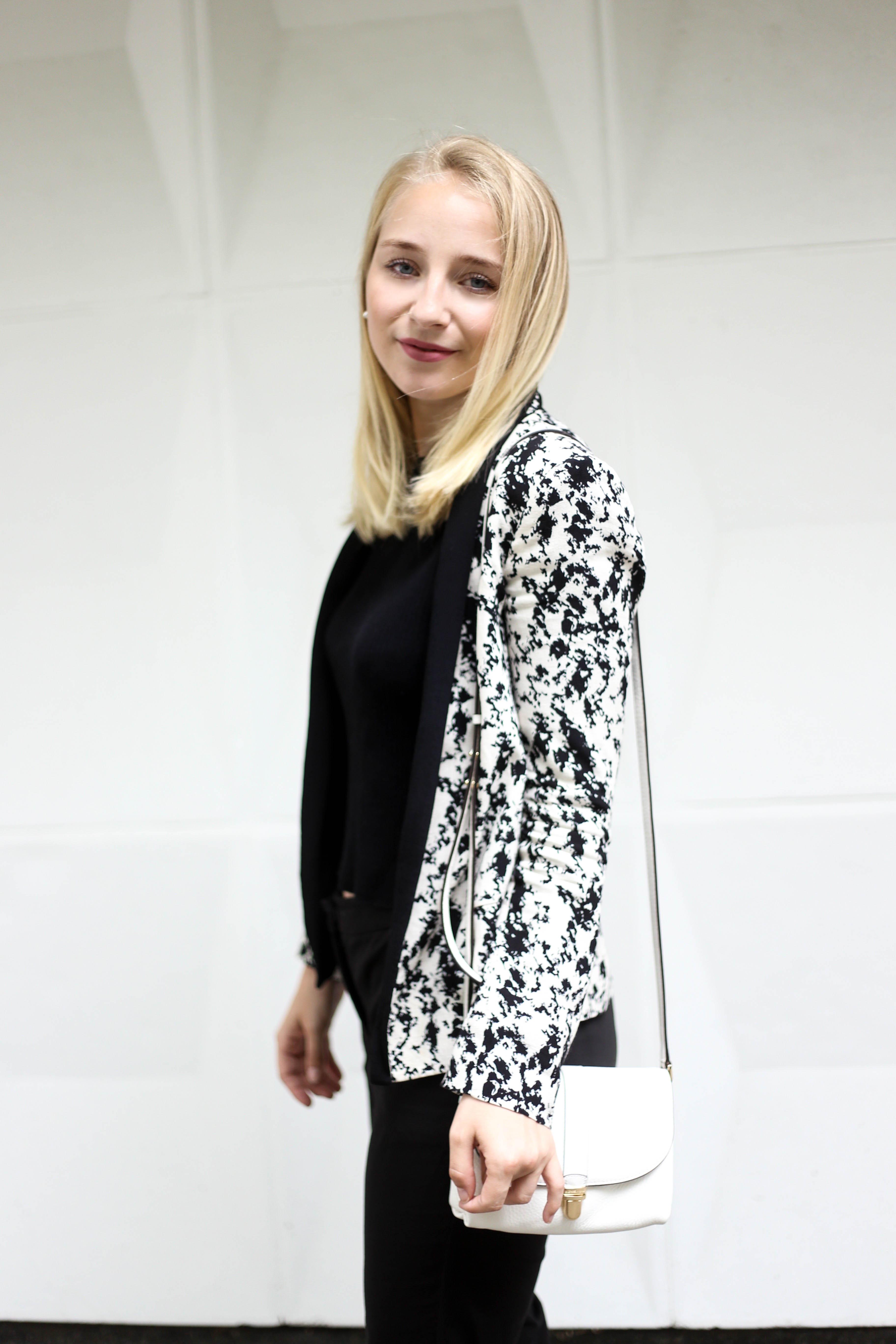anzugshose-alltag-dalmatiner-blazer-outfit-fashionblog-berlin-köln_1997