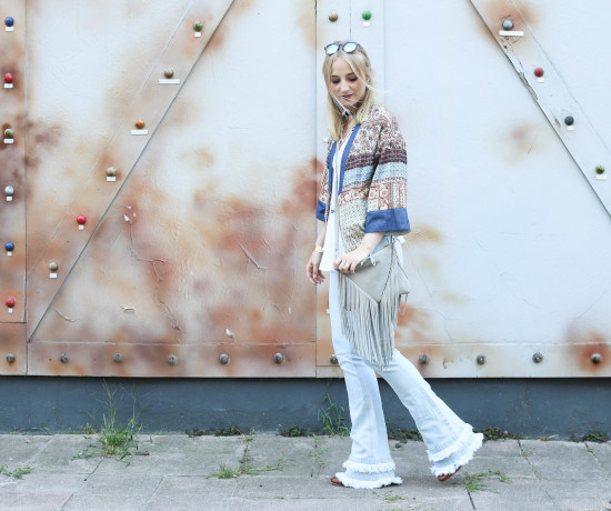 festival-look-fashionblog-berlin-modeblog-outfit-schlaghose-flared-jeans_1690