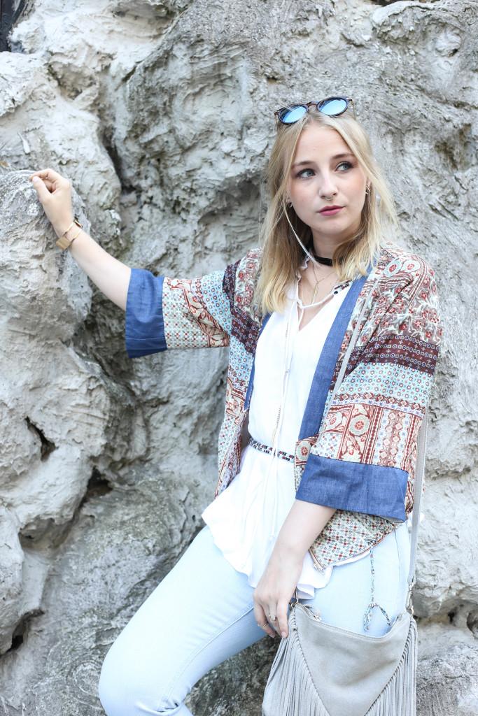 festival-look-fashionblog-berlin-modeblog-outfit-schlaghose-flared-jeans_1738