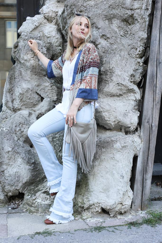 festival-look-fashionblog-berlin-modeblog-outfit-schlaghose-flared-jeans_1745