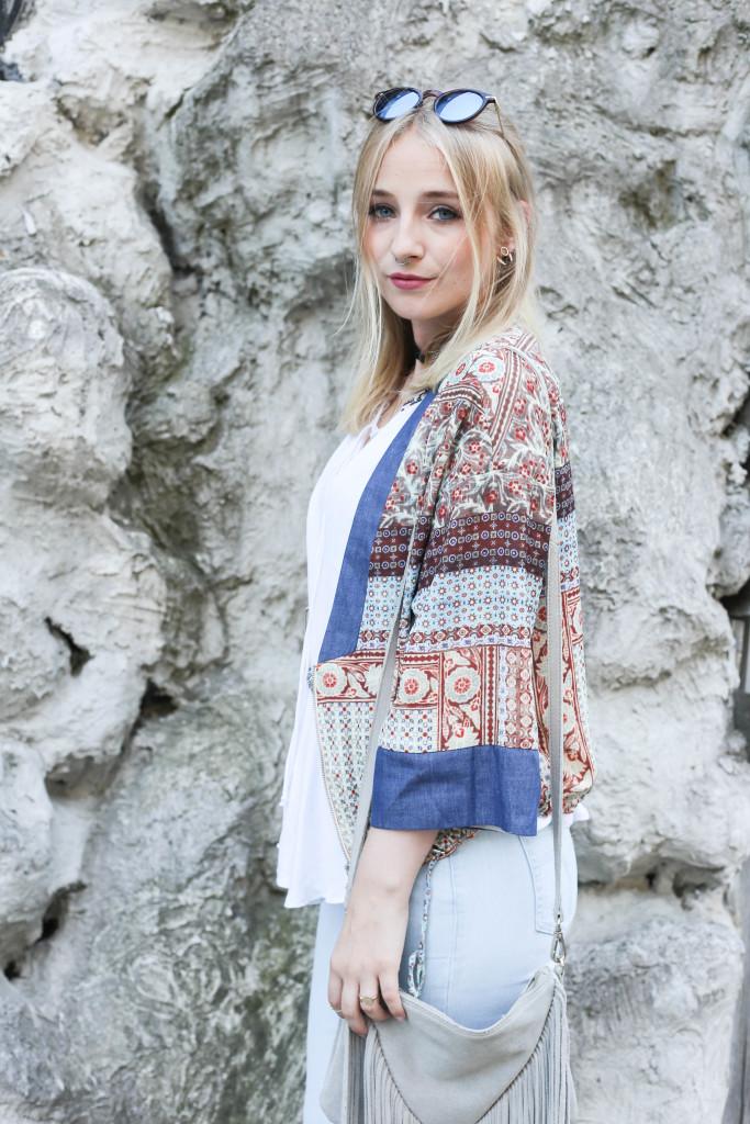 festival-look-fashionblog-berlin-modeblog-outfit-schlaghose-flared-jeans_1747