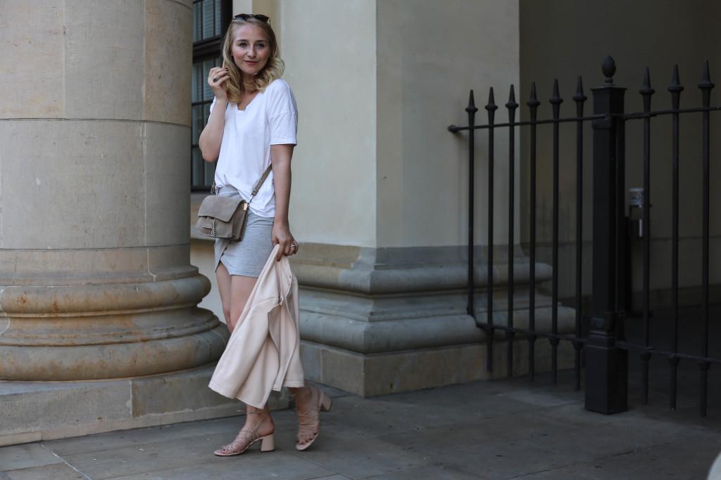 rosa-lederjacke-mango-klotzabsatz-sandalen-fashionblog-berlin-mode-blog-outfit_2337