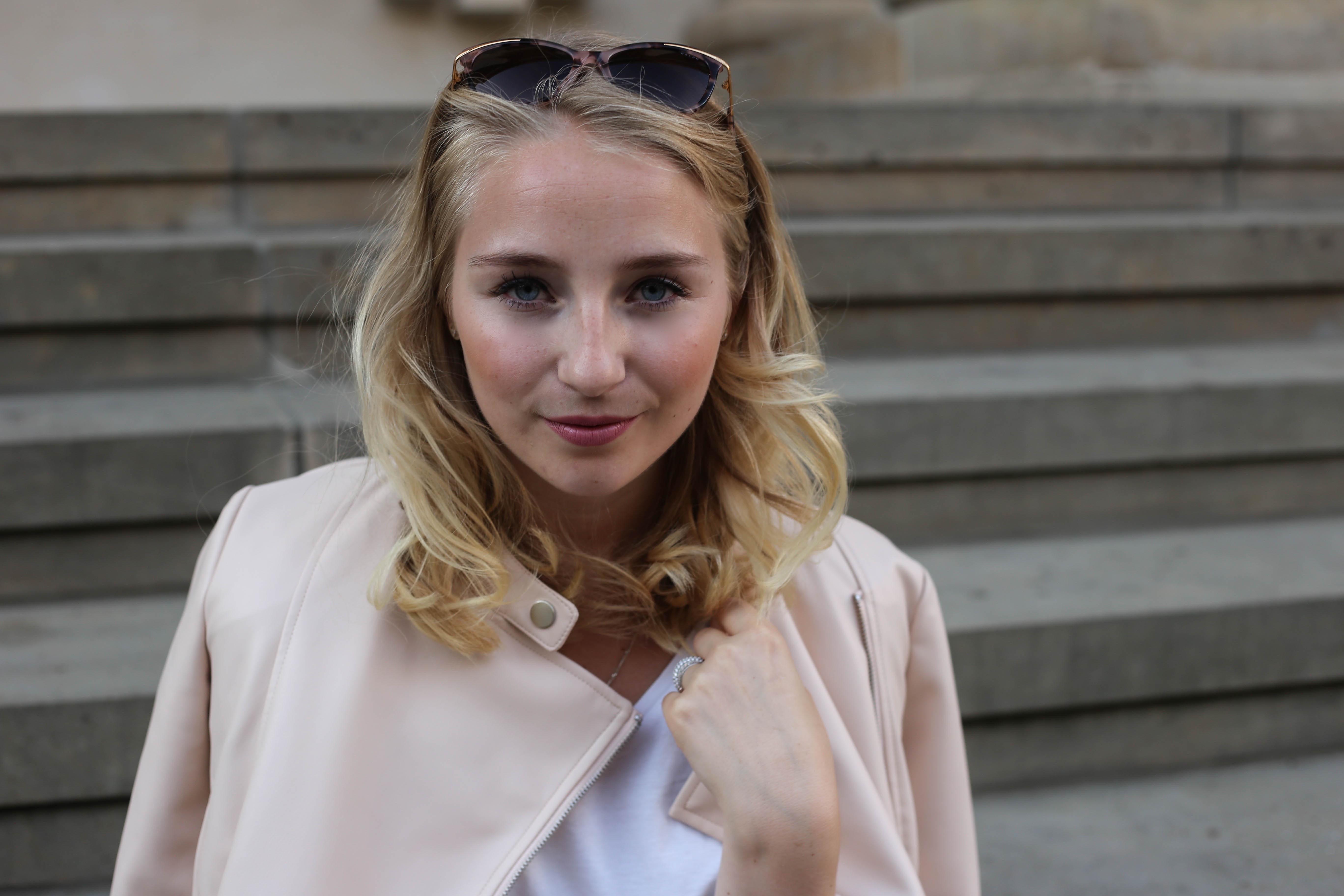 rosa-lederjacke-mango-klotzabsatz-sandalen-fashionblog-berlin-mode-blog-outfit_2387 (1)