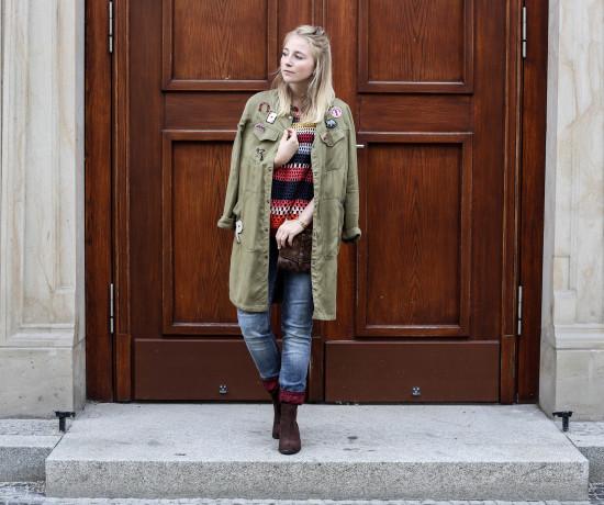spaetsommer-look-desigual-bunt-alltag-fashionblog-modeblog-berlin_3973