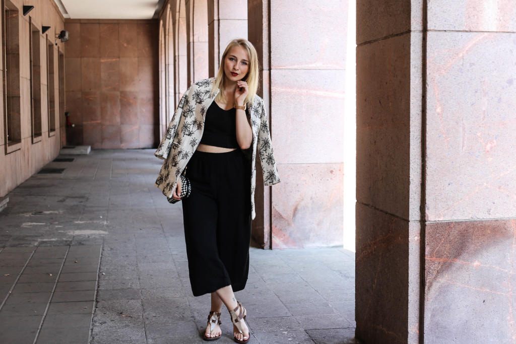 palmen-jacke-outfit-fashionblog-cologne-berlin-koeln-ootd-allblackeverything_3392