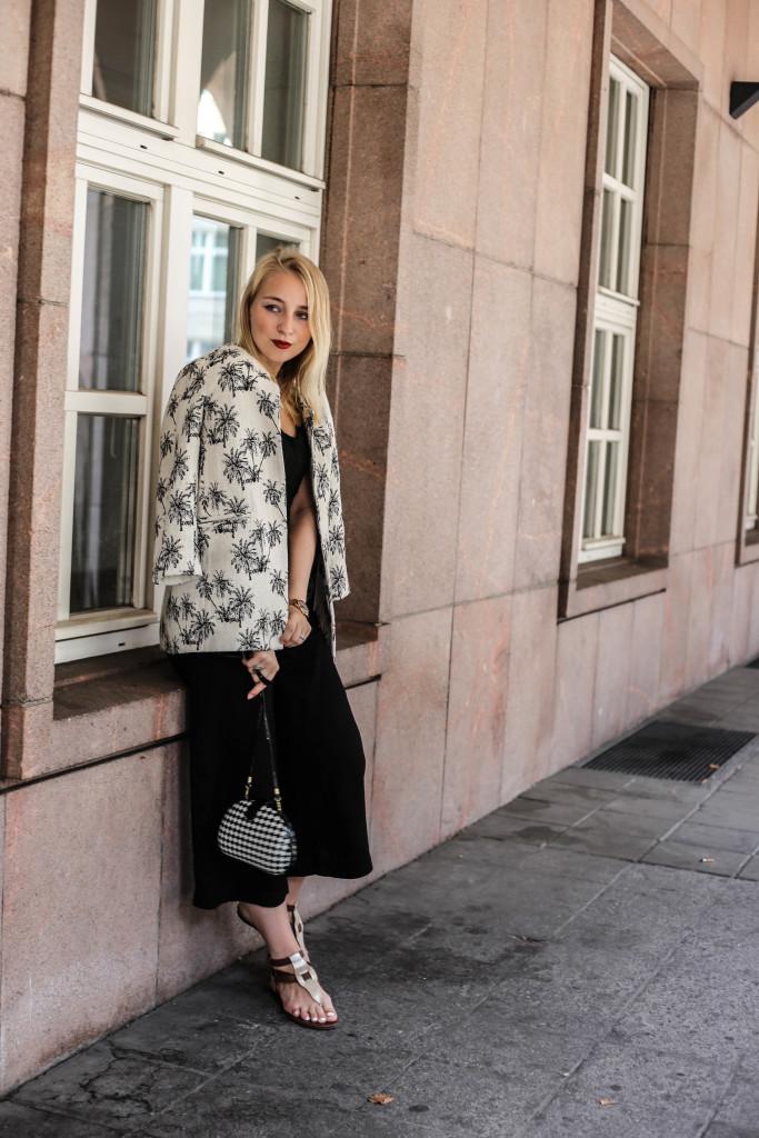 palmen-jacke-outfit-fashionblog-cologne-berlin-koeln-ootd-allblackeverything_3501