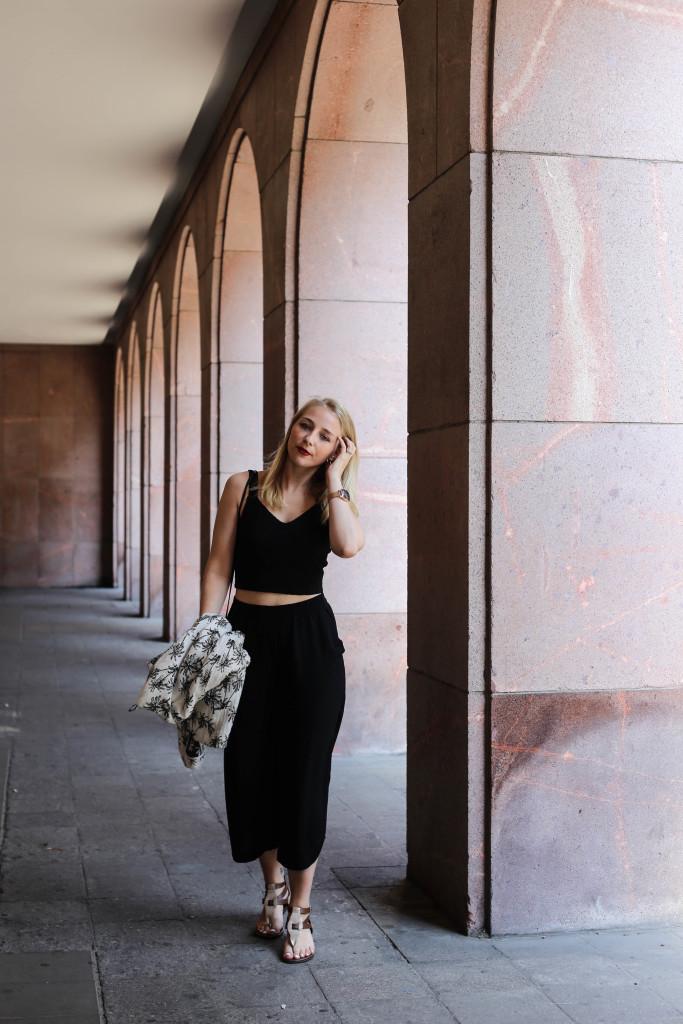 palmen-jacke-outfit-fashionblog-cologne-berlin-koeln-ootd-allblackeverything_3373