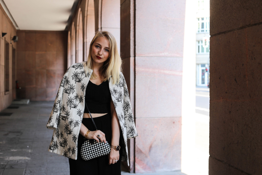 palmen-jacke-outfit-fashionblog-cologne-berlin-koeln-ootd-allblackeverything_3395