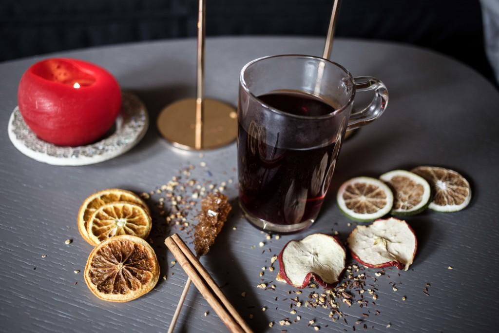 adventspunsch-mandarinen-punsch-granatapfel-punsch-rauch-happy-day-fruchtsaefte-rezept_6392