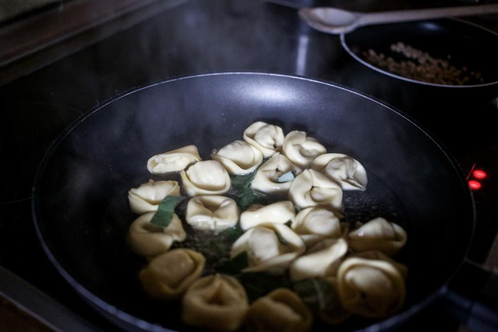 hilcona-pasta-classica-tortellini-quattro-formaggi-salbei-sosse_6191