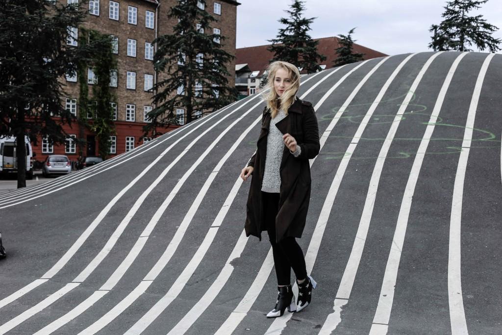 superkilen-outfit-kopenhagen-denmark-daenemark-copenhagen-modeblog-fashionblog_4656