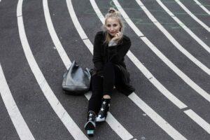 Superkilen: Sightseeing Look in Kopenhagen mit Stern Ankle Boots | Outfit