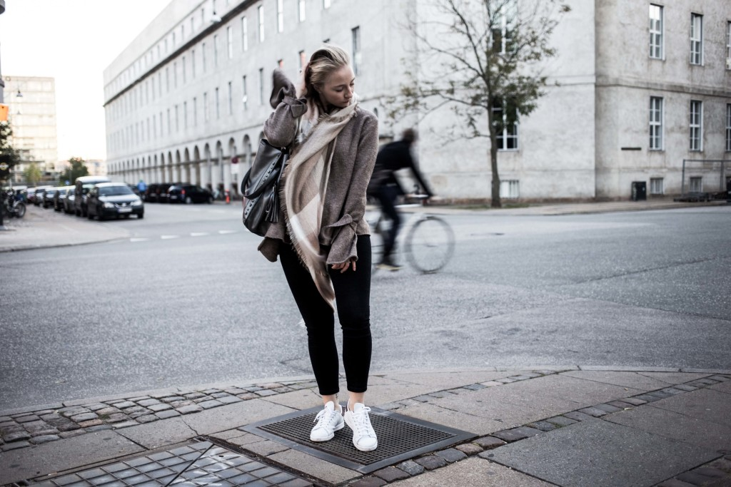 herbst-outfit-kopenhagen-basic-look-travelblog-fashionblog_5414
