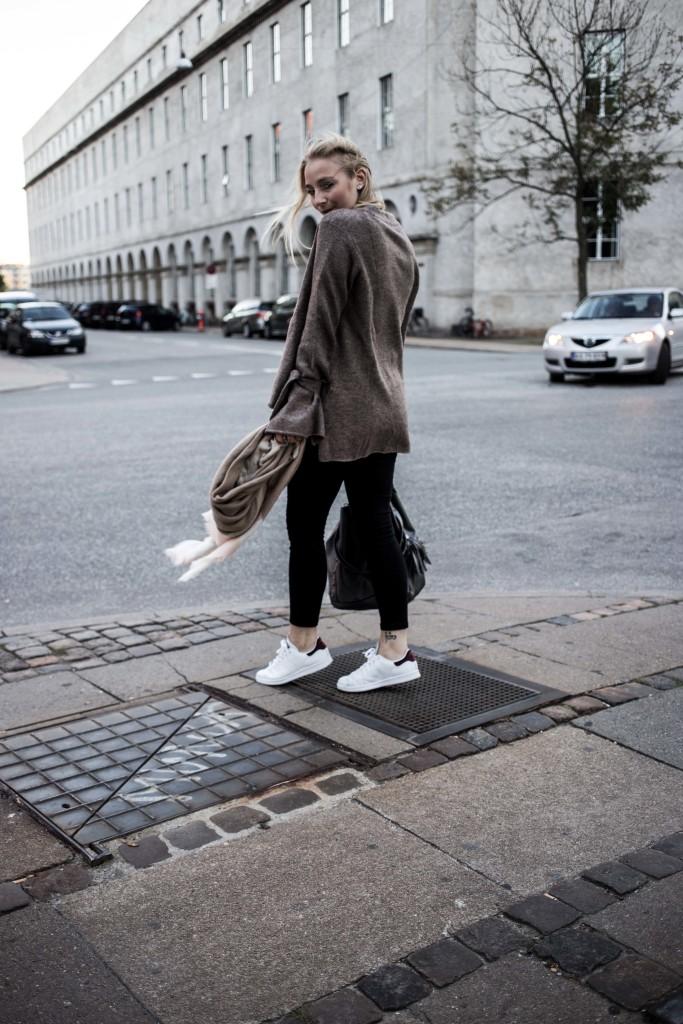 herbst-outfit-kopenhagen-basic-look-travelblog-fashionblog_5468