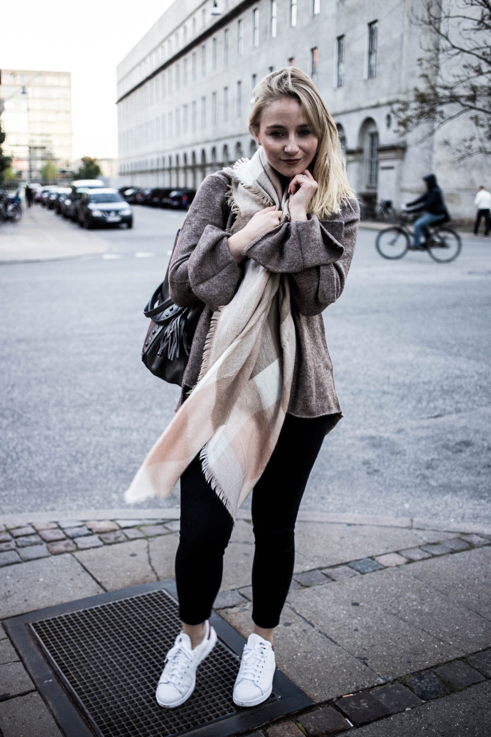 herbst-outfit-kopenhagen-basic-look-travelblog-fashionblog_5498-1