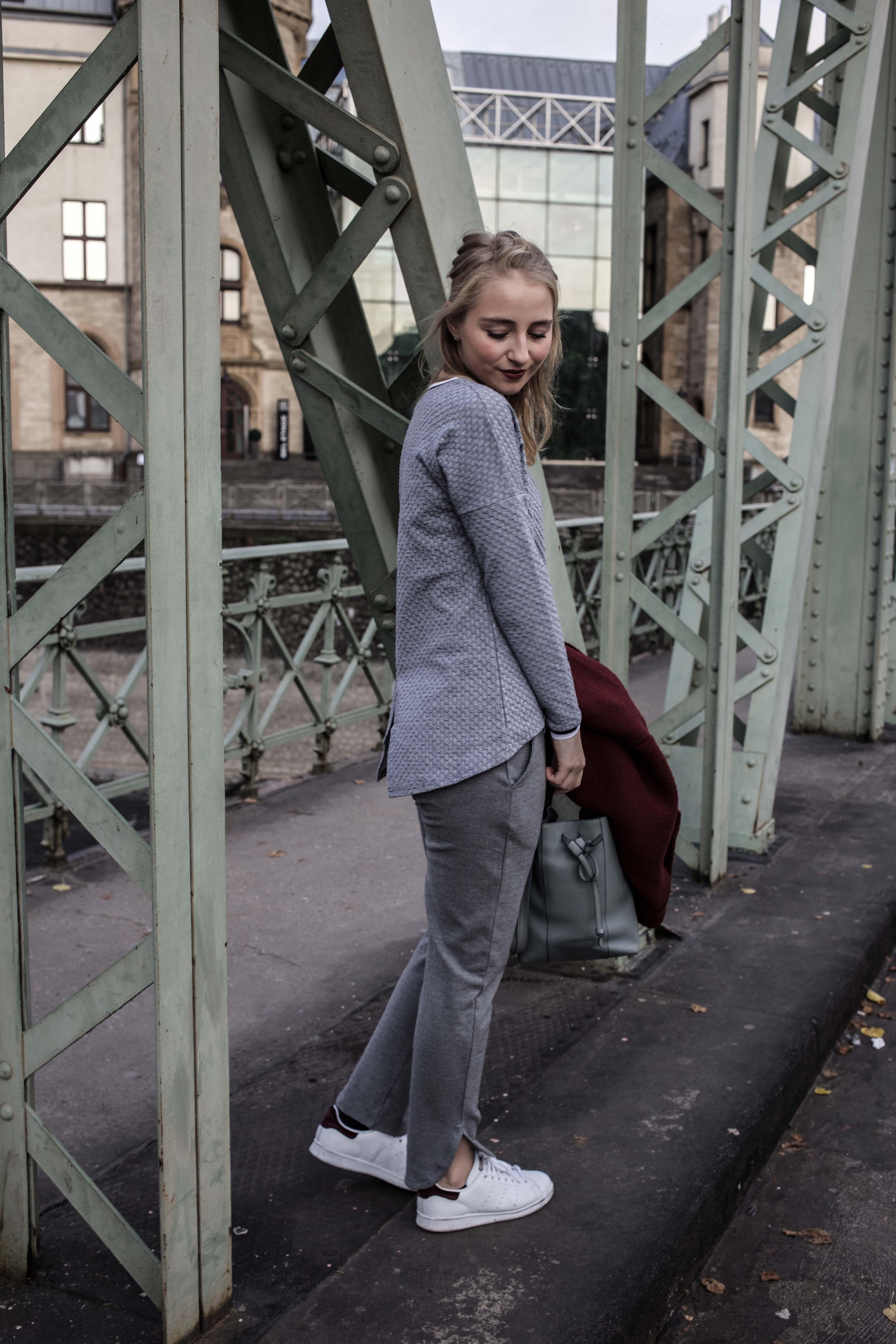 sparkle-store-fashion-sparkle-jogger-pants-alltag-nadel-und-faden-hamburg-designerkleidung-designerklamotten-modeblog-koeln-fashionblog-berlin_6813